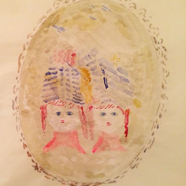 僕が 鏡を描いたら ツダさんが どこかの国の 娘達を写した。hobos。