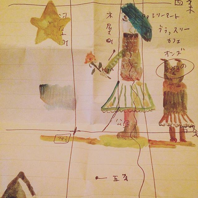 多分これは  asaruさん 小鳩さん うめのさん 角谷さんの手掛けた 詩集、「檸檬とピーチ」の会の時の地図。 に落書き。宅急便を待つ間。最近の雑学は  味覚や嗅覚すら変化する8000メートル級の山の環境でも  コーラは味も匂いも  変化はしないという事。そして この変化の無さが デスゾーンでの過酷な環境からへの 登山家の精神を一部、守ったということ。  個人差もあるのだろうけど、 こんなお話は トキメキます。僕の中の 檸檬とピーチ。