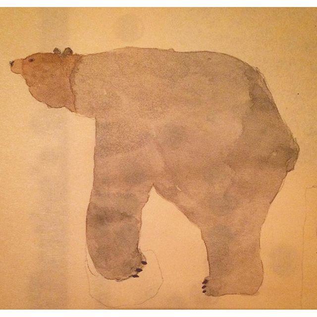 友人の誕生日会に 行けなかったけど 熊。ホホホ座に 着いた途端に閉店しても 熊。カーテン屋さんと 深夜まで 話しをしても 熊。