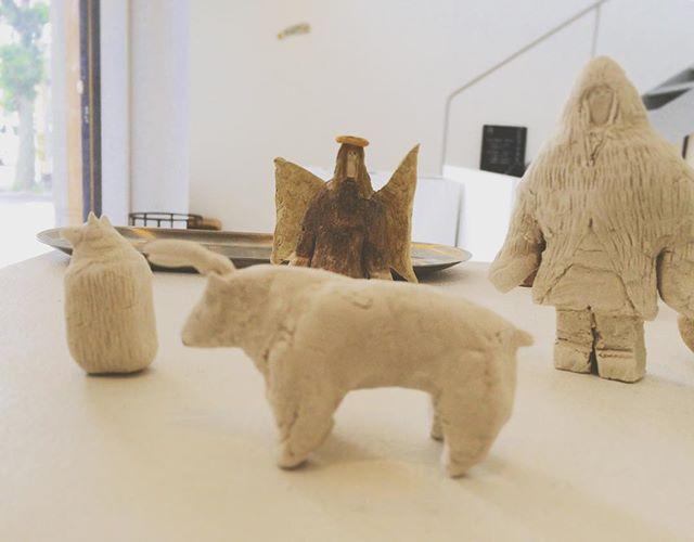 『めぐる まわる 環世界』今日 つくったコ達は オオカミ 。つの牛 。マタギ。