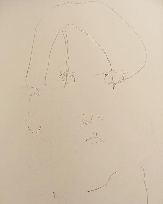 展示をみてもらった後に、よく 質問されるコトは 「昔から こんな絵柄だったんですか?」という 質問。昔は 「人物ばかり描いてました」そう。じっくり 写実するコトは 楽しい。クロッキーだけでは ものたりない。