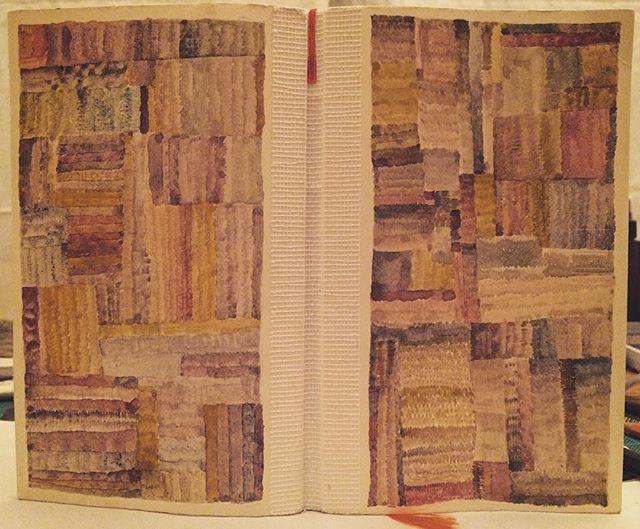 また 日記帳が一冊できた。変化の不安には 筆先がバランス軸になる。