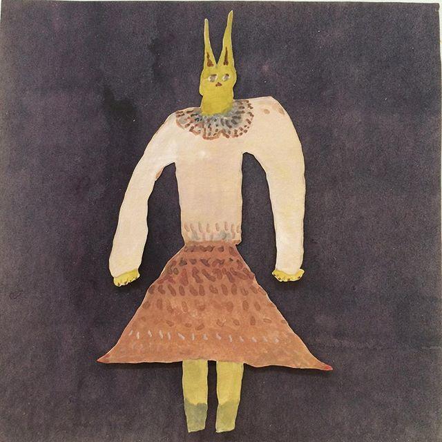 『セーター着た黄色山猫』最近 猫が 朝方 布団に入ってくる。早朝睡魔とゴロゴロと喉を鳴らす音の狭間にやってくる。胸にささる 硬い爪が日課になってきた。セーターの季節に毛玉の季節。光兎舎は演奏会の季節です。11月3日(土)は kousagisha gallery にて ギターリスト 青木 隼人さんの演奏会(詳細は 光兎舎のホームページからみれます)11月12日(月)は 菜食光兎舎にて テニスコーツさんとMarksさん達(spirit fest)による 演奏会が ありますよ。(詳細は只今検討中です)あわわ。