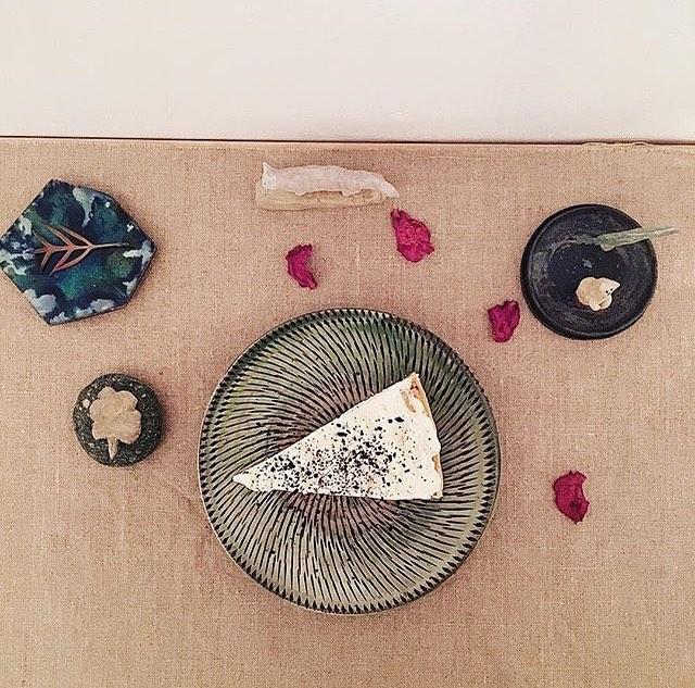 ochi maoさんが 撮ってくれた 松本 高志さんのケーキ。目に美味しいし、美しいのです。