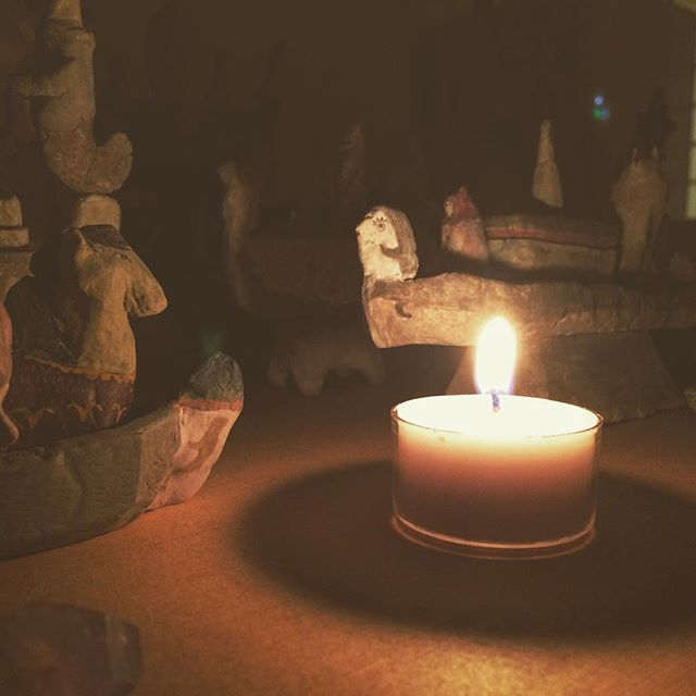 いただいた 蝋燭に 火をともす。火をみつめる時期。