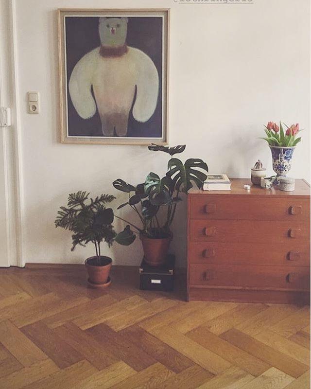 ミュンヘンでの 展示の際 絵をご購入いただいた方から 送らせてきた画像。すごく嬉しい。
